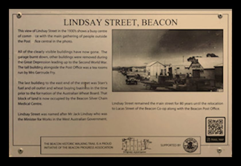 A Historic Walking Trail plaque of Beacon's Lindsay Street